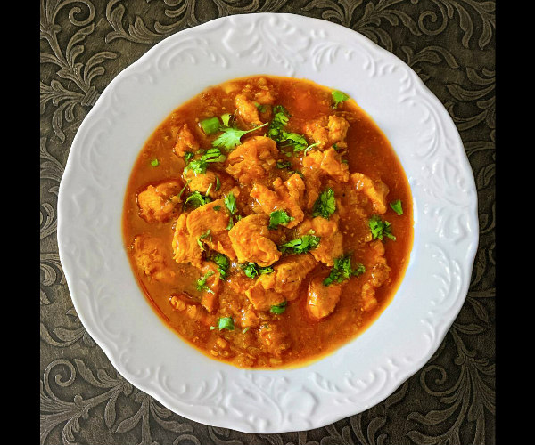 Easy Chicken Curry Recipe (Authentic Indian Curry)