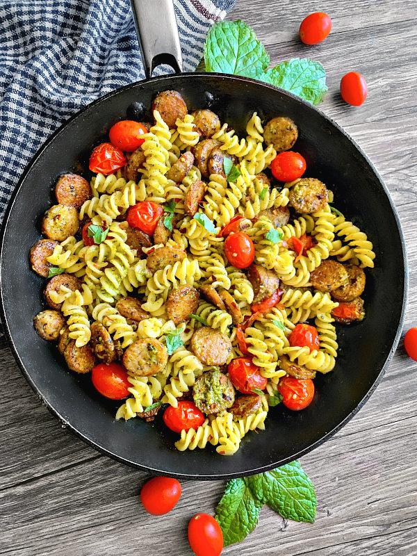 pesto pasta sausage tomato