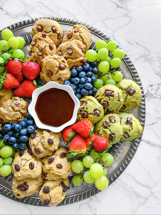 Cookies charcuterie board